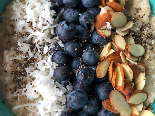 BLUEBERRY & ALMOND OAT BOWL WITH COCONUT