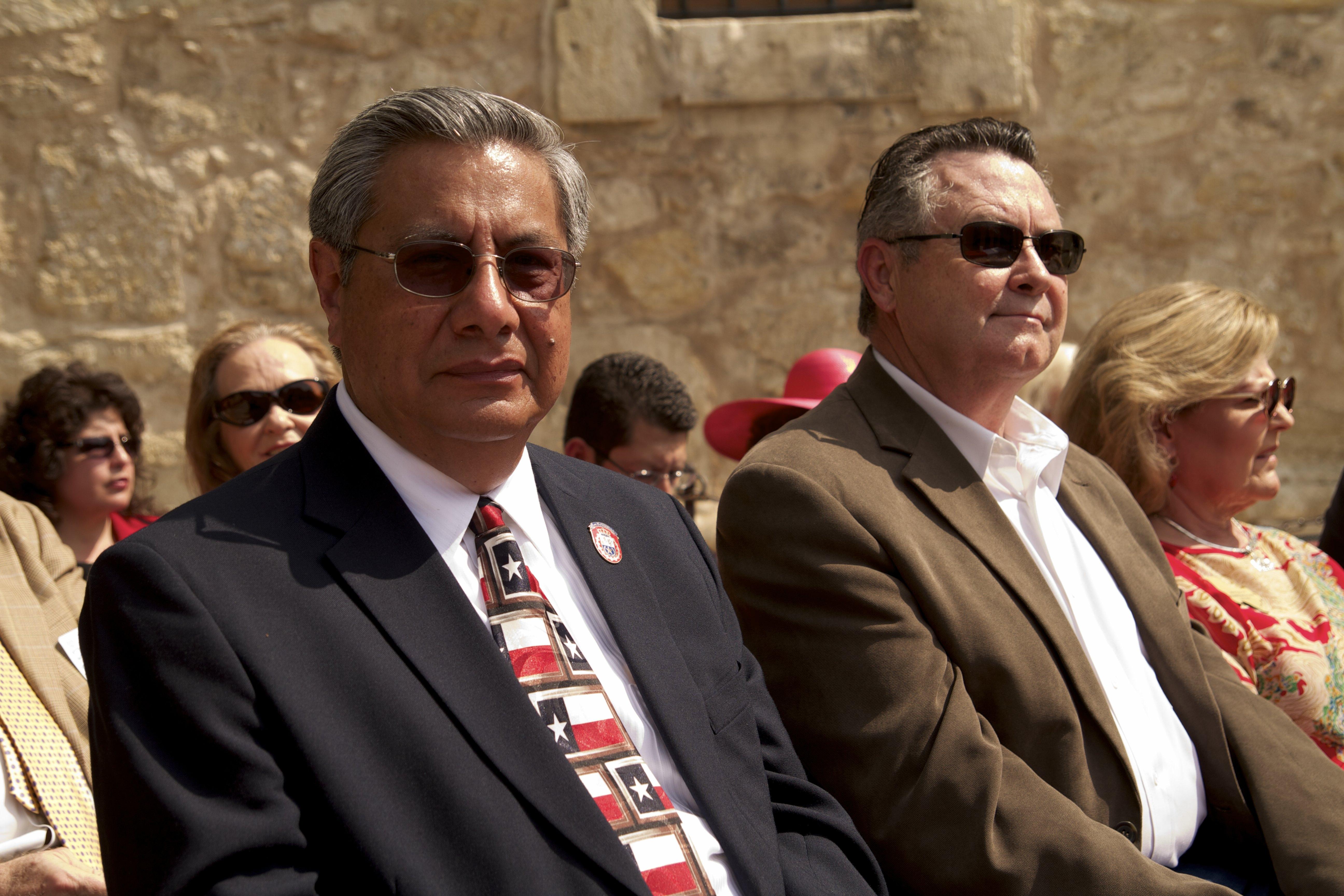 Ed Mata  George Nelson _ The Alamo 3 2 1