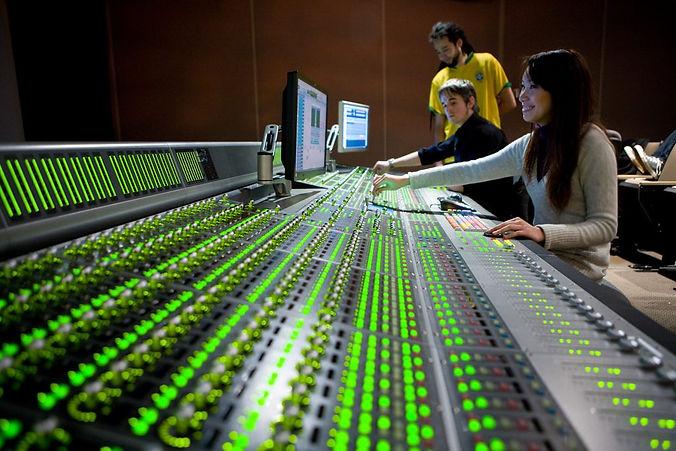 Come-diventare-tecnico-del-suono-1024x68