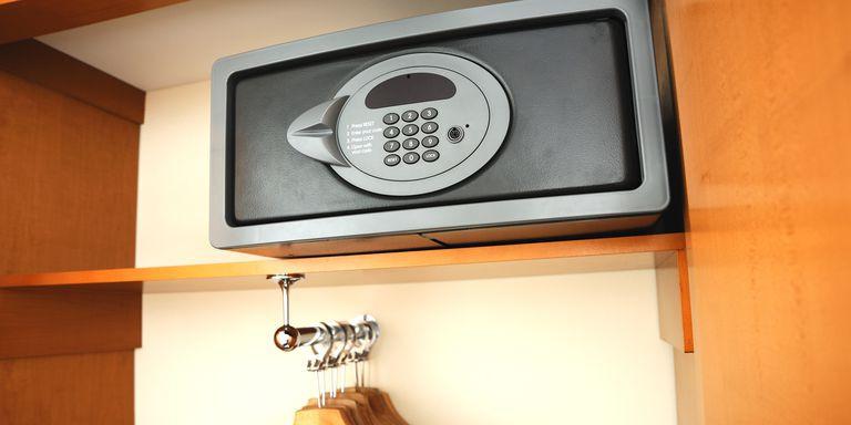 in-room safe 1.jpg