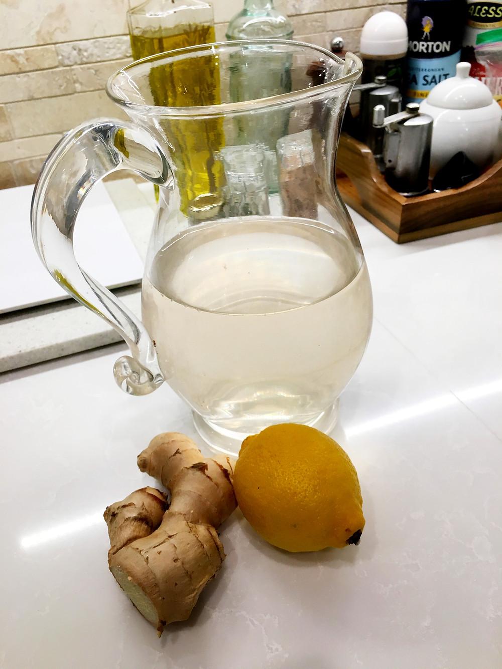 Fresh ginger and lemon iced tea