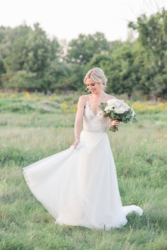 Stonefields-wedding-with-hundreds-of-blo