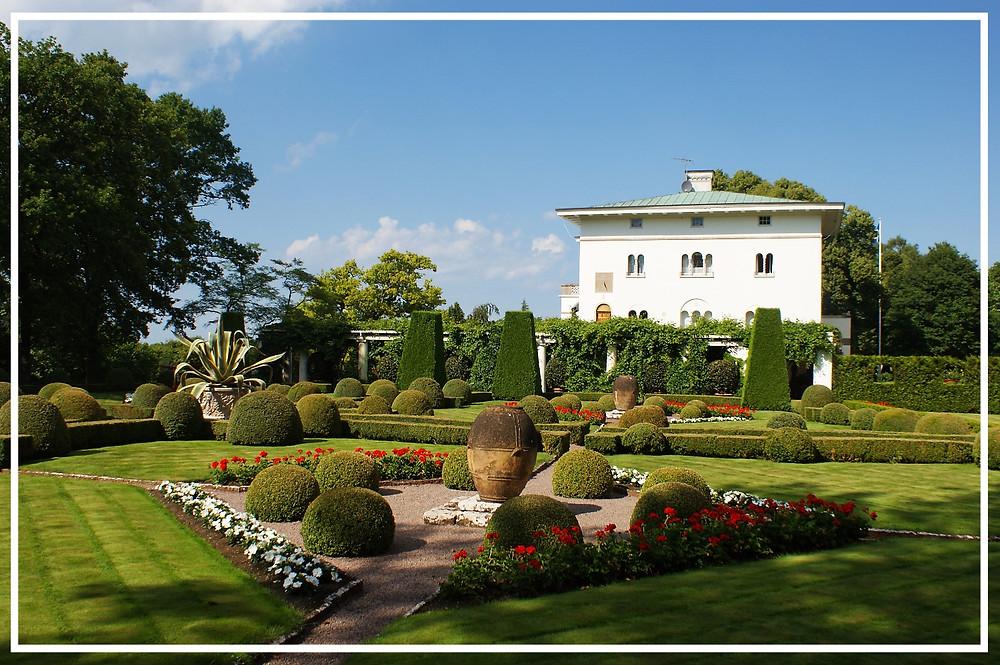 Solliden Palace on Öland: Photo by MarkusLuiga on Pixelbay