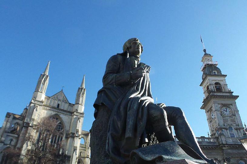 Statue of Robert Burns in the Octagon, Dunedin