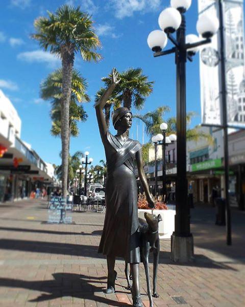 1930s statue in Napier, North Island