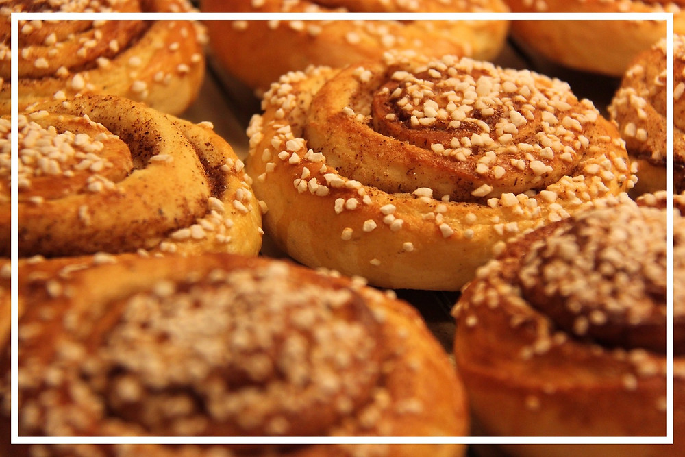 Cinnamon buns: Photo by Christina Zetterberg on Pixabay
