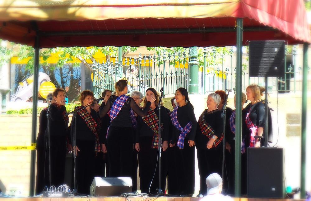 Scottish choir singers entertain in Dunedin