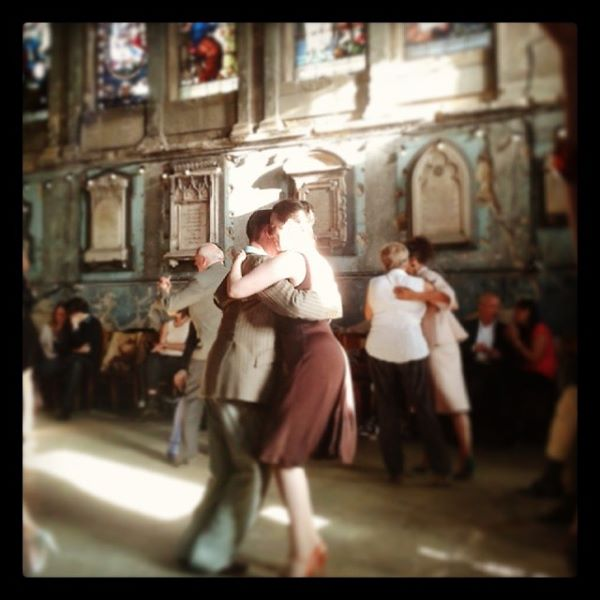 Tango dancers in London
