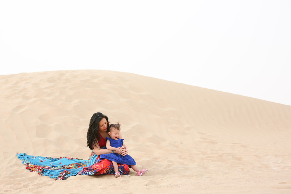 Dubai desert maternity photography, mother and daughter