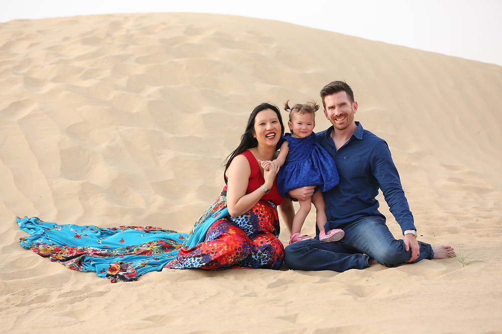 Dubai desert maternity photography