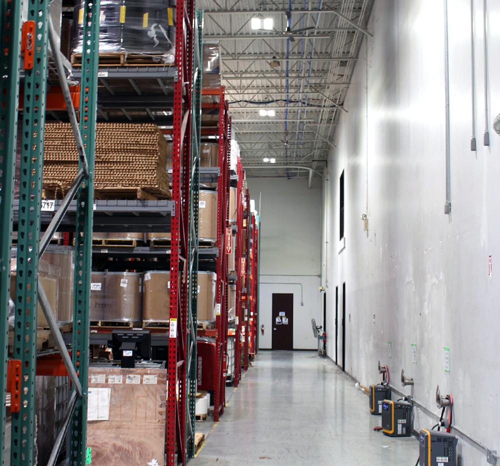 US LED ExsaBayXLE High Bay 05.jpg