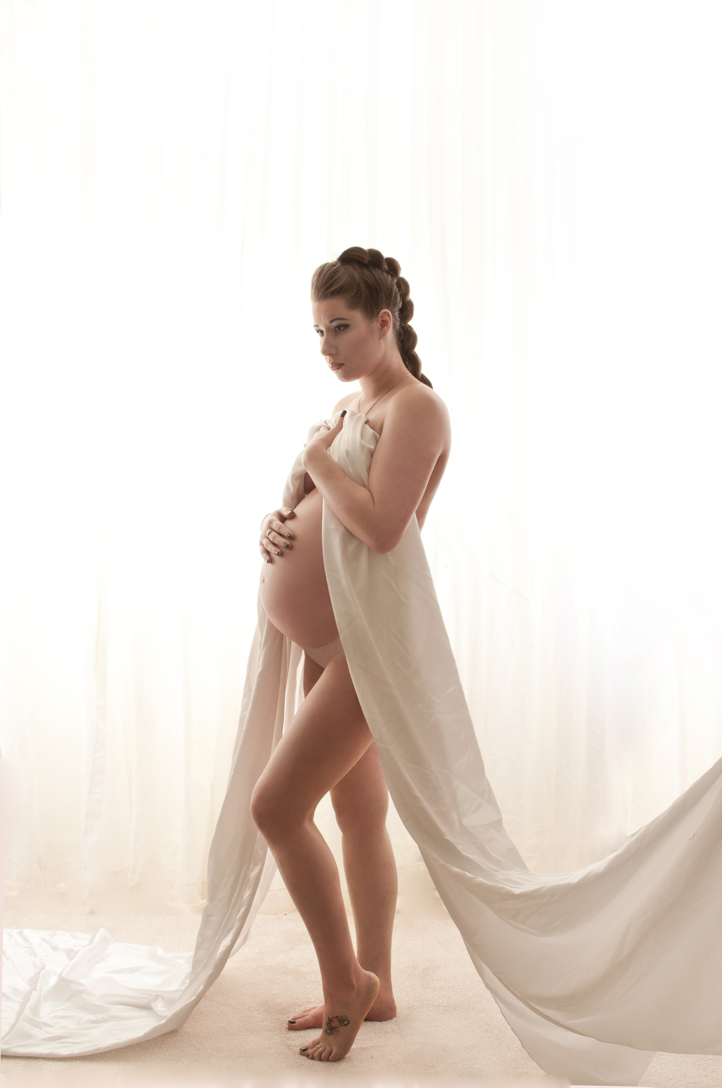 Maternity Photographer Makeup Artist