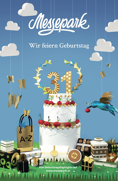 Dies ist eine Arbeit für den Messepark Dornbirn in Österreich inZusammenarbeitmit der Kommunikationsagentur Zurgams. Das Bild wurde bühnenartig angeordnet. Papierkunst, paperart, paperwork, Martha von Maydell, MVMpaercuts, Vogel, Papiervogel