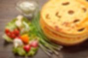 Выпечка осетинских пирогов.jpg
