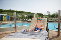 ls-water-sunbeds-outdoor-pool-2016