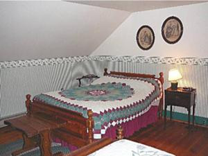 Brumback bedroom 2