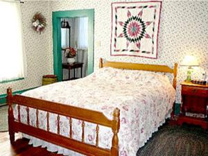 Brumback bedroom 1