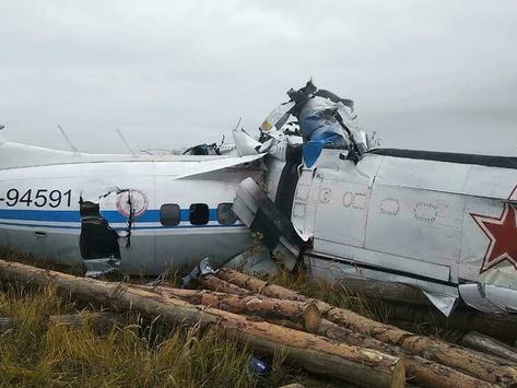 Se desploma avión en Rusia hay al menos 16 muertos