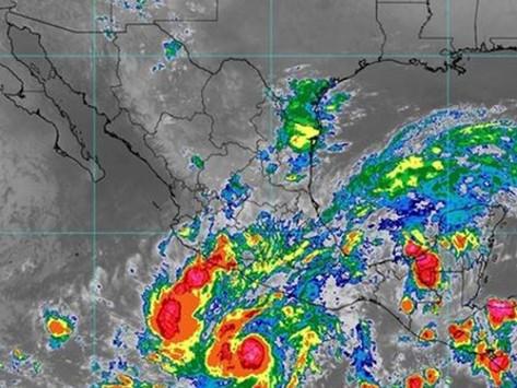 Rick se intensifica a huracán categoría 1; avanza frente a costas de Guerrero