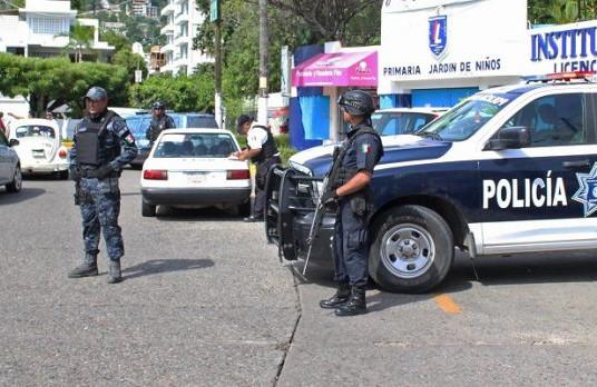 Policías de Acapulco levantan paro de labores