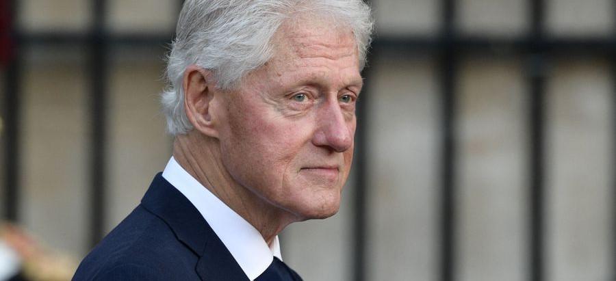 Hospitalizan a ex presidente Bill Clinton por infección en la sangre