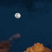 Luna 284
