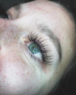 I see the ocean in her eyes. 🌊_._._._._