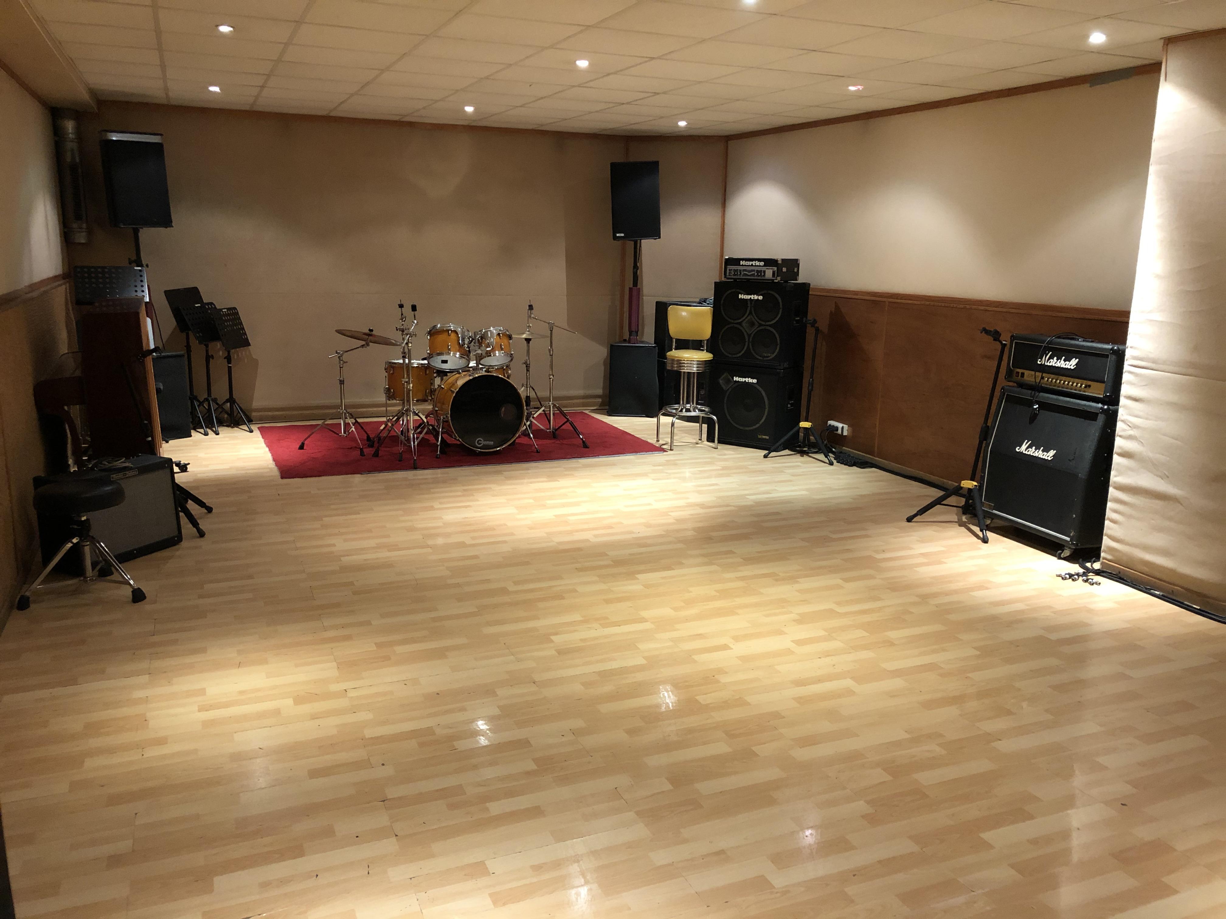 Studio B / Studio 440