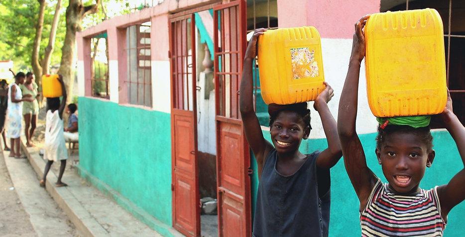 Haiti%2520people-3127600_1920_edited_edi