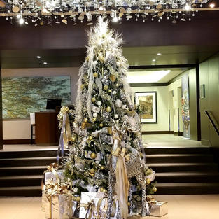 Lobby Tree