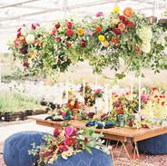 015-hanging-centerpieces-wedding-trends-