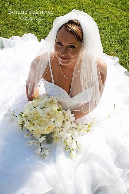 White cascasde bridal bouquet
