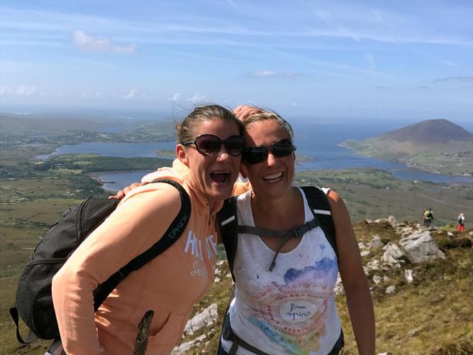 Alexa und Karin Diamond Mountain Irland