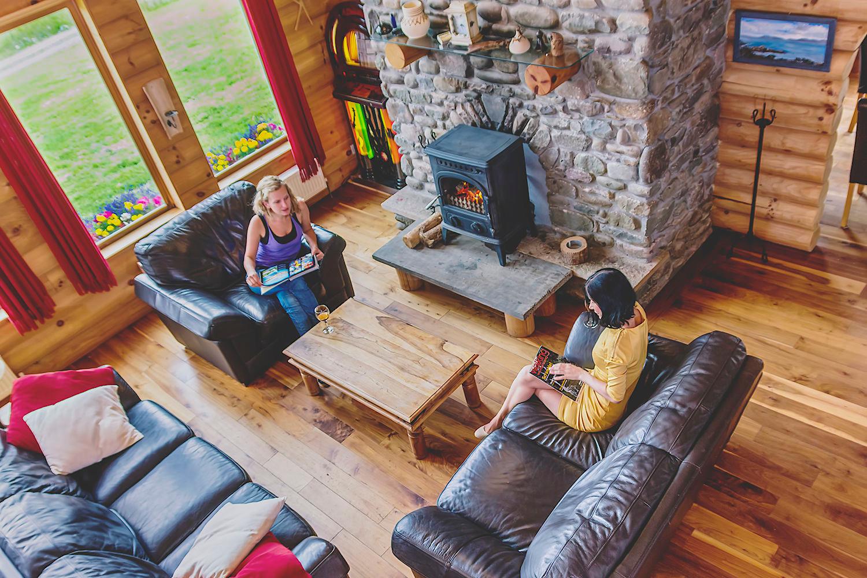 Eaglewood Lodge Livingroom