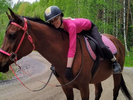 Flex Boots twist on my horse's hind feet!