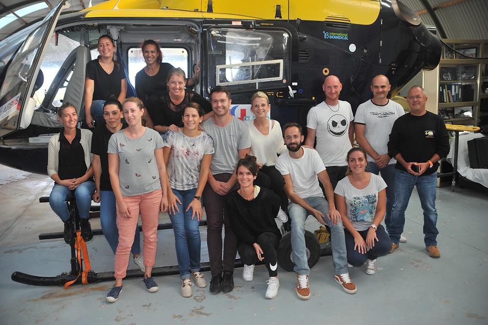 Les élèves infirmiers de l'IFSI La Garde avec les formateurs de Simhelimed