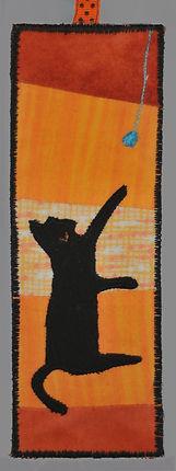 B060 Cat yarn ball.jpg