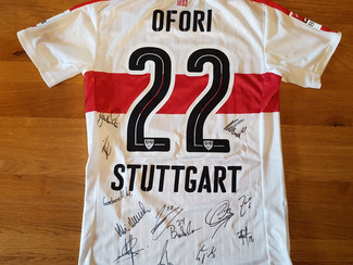 Mentale Unterstützung durch VfB-Merchandise-Artikel