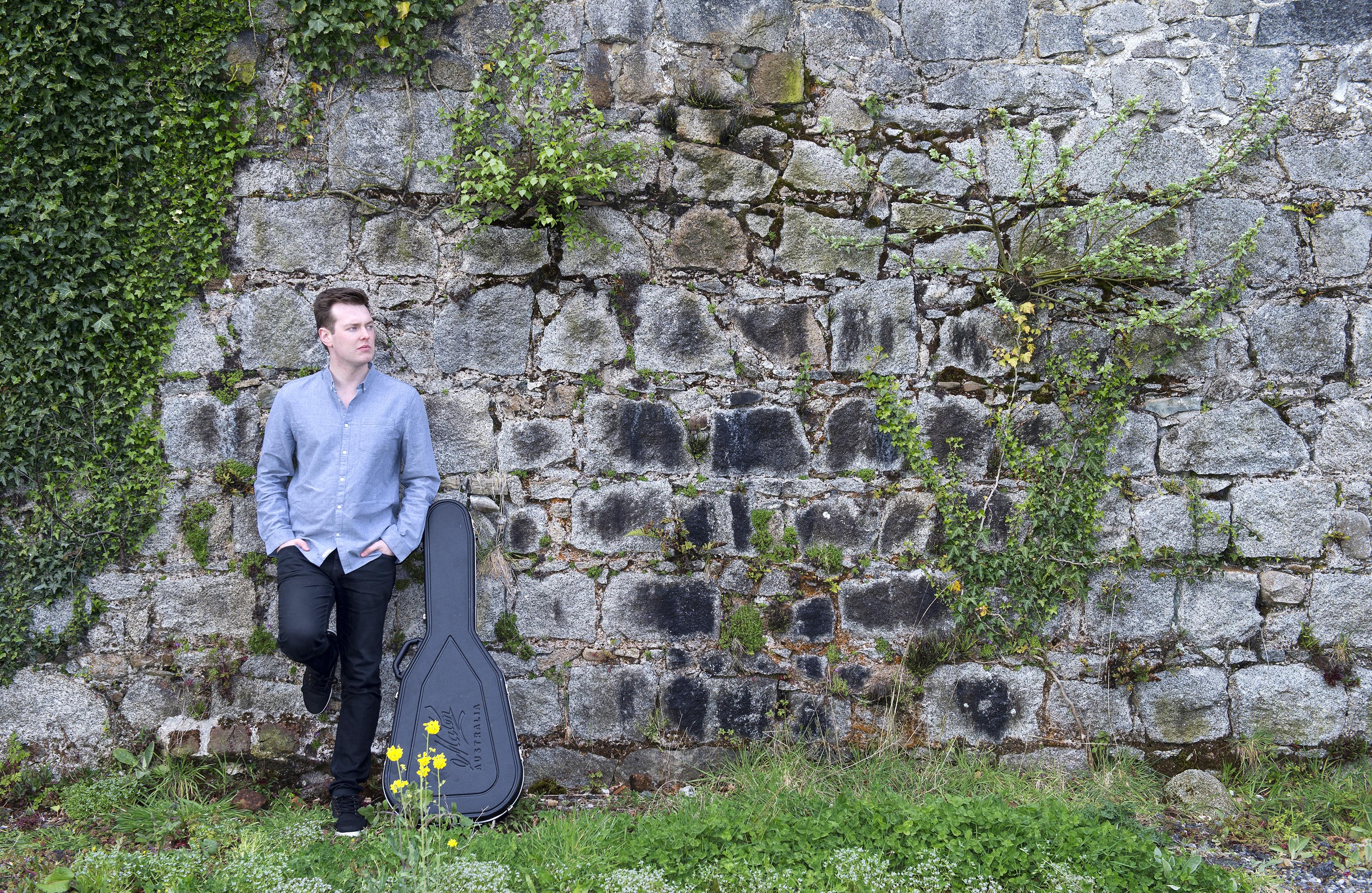Shane Hennessy promo shot 'Wall'