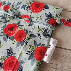 Wetbag red roses