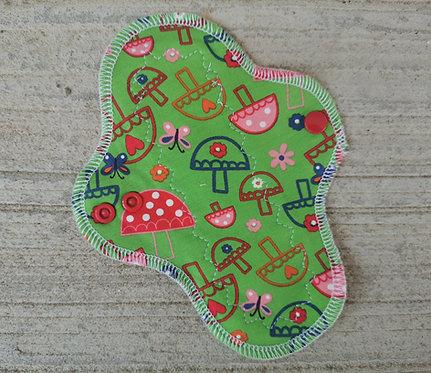 PU dnevni curvy, 20cm, mushrooms
