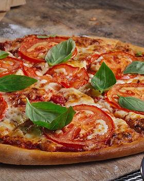 Pizza recién horneado