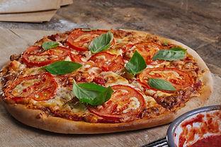 Pizza fraîchement cuit au four