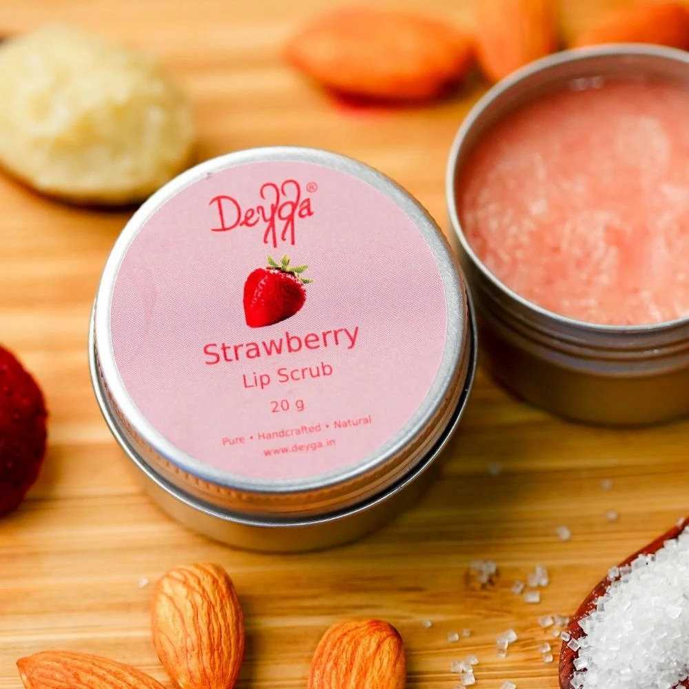 Deyga Strawberry Lip Scrub _ An Ayesha Joshi Product Review Blog