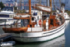 wooden sailing boat ketch labora