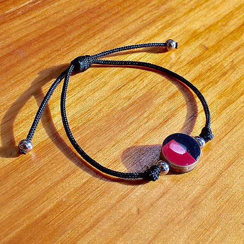 Ski Bead Slide Knot Bracelet – Red and Black on Black