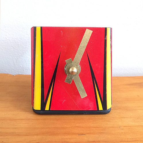 Ski Clock – Red Yellow Zing