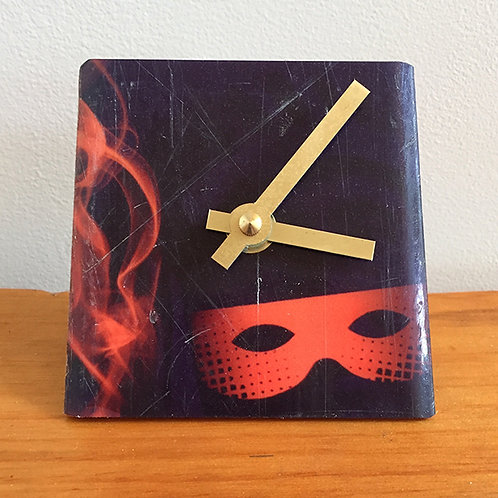 Ski Clock – Mask and Flame