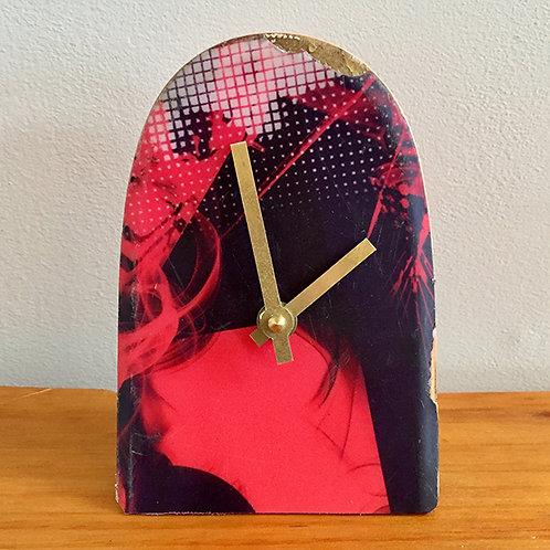 Ski Clock – Red Tip