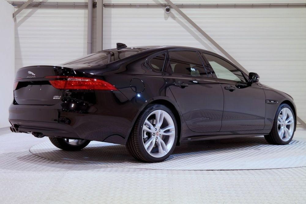 XF R-Sport 2.0d 180 Hp AWD